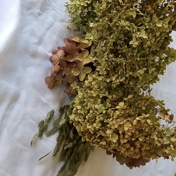Dried flower bouquet.